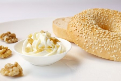 【HH Gourmet】Bagel with Honey & Walnut Cream Cheese (23元)