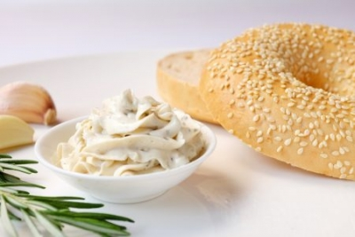 【HH Gourmet】Bagel with Garlic & Herb Cream Cheese (23元)